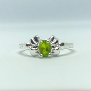 Jewelry - Green CZ Butterfly Silver Band Ring Size 9